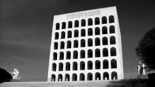 roma_palazzo_della_civiltc3a0_italiana_bw_-_from_commons